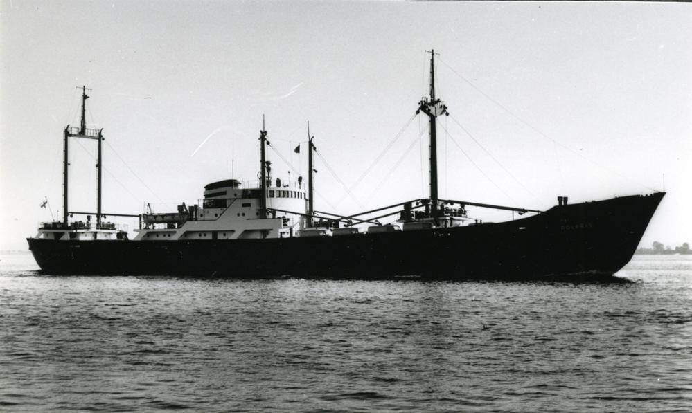 この船(Polaris 1955年9月進水)はオランダで建造されましたが、エンジンはMAN(ドイツ)です エンジンは船で運ばれたの❓