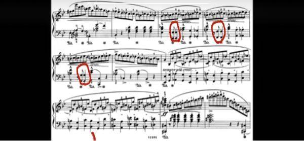 左手オクターブの同音連打がショパンのバラード1番に出てくるのですが早く弾くと音が繋がってしまい弾けません。 どのように練習をすればうまく弾けるでしょうか?よろしくお願い致します。 赤の丸部分です。