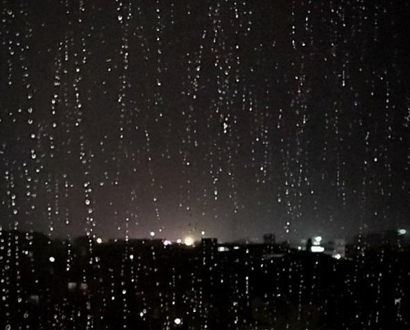 雨が降ると「空が泣いている」と言う人は昭和の人ですか?