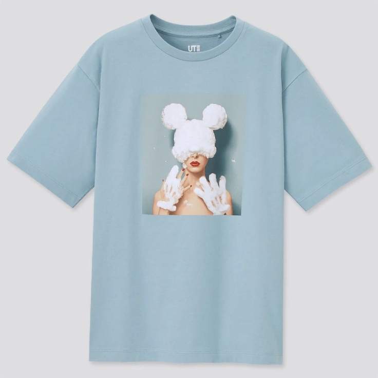 ディズニーシーに行くのですがこのTシャツにあう服を教えてください。