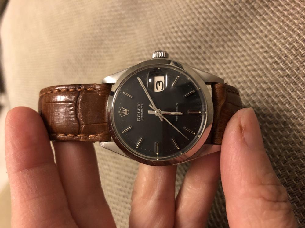 亡き父の腕時計をどうしようか悩んでいます。 このロレックスは価値がある品物ですか? 使わないで放置しておくと劣化するでしょうか?