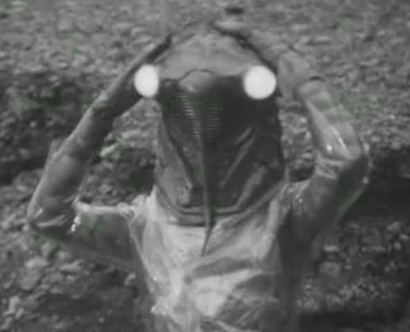 特撮で名前が「せ・ぜ」から始まる名前の「怪獣」と「宇宙人」といえば各々何を一番に選びますか? ・「怪獣」は、番組による超獣や魔獣など呼び名の違いを含み、ロボットを加え、一匹を選び特徴や想い出など一言も添えて回答ください。 ・「宇宙人」は星人を1種類選び特徴や想い出など一言も添えて回答ください。 ・できたら回答する怪獣、宇宙人どちらかの画像添付もお願いします。 ※注:怪獣か怪人の片方だけの回答でも結構です。仮面ライダーやスーパー戦隊などに登場する等身大の「怪人」は除外とします。 無回答になった質問は取り消します。