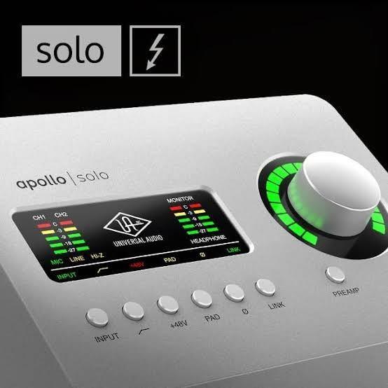 オーディオインターフェイス UNIVERSAL AUDIO APOLLO SOLOにって質問です。 過去 https://www.soundhouse.co.jp/products/detail/item/281670/ 現在 https://www.soundhouse.co.jp/products/detail/item/286374/ オーディオインターフェイス本体は 同じものということがわかりました、 UADプラグインが付属されてるものからみて どちらが買いでしょうか? 過去のものが買えないのは知ってますけど 損得で判断していただきたいので 回答待ってます。 検索 DAW DTM 音楽 ギター 歌っえみたい エフェクター