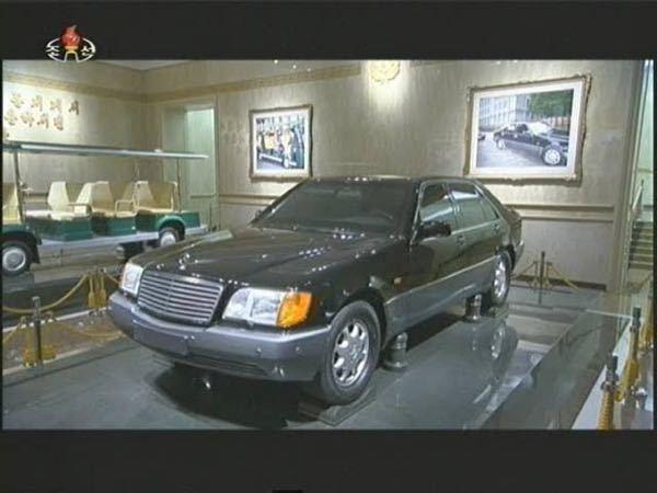 敬愛する金正日元帥様がお乗りになられていたメルセデス・ベンツですが、大変失礼ですが、この車両をもしオークションにかけたらいくらで取り引きされるでしょうか? また、ベンツ社には「敬愛なる尊師が生前...
