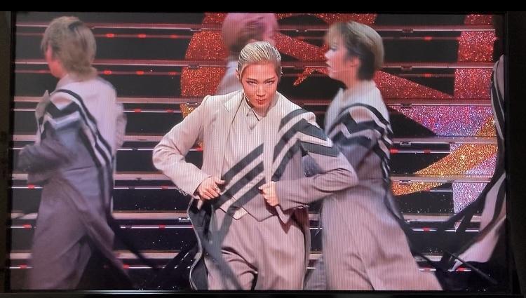 宝塚歌劇団の星組この一番右の方のお名前分かる方いらっしゃいますか?