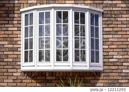 この窓の形はなんていうんですか?