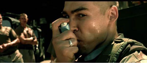 「ブラックホークダウン」という映画で兵士が何かを吸っていたのですが、これは何ですか?