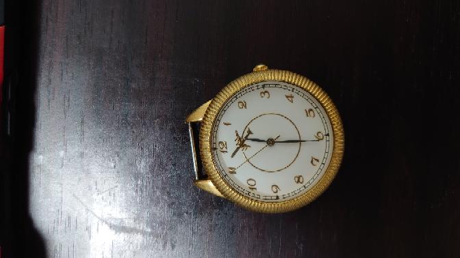 この懐中時計について詳しい情報を知りたいです! 自分で探してもなかなか出てきません。詳細がわかる方、教えてください。 お願いします!