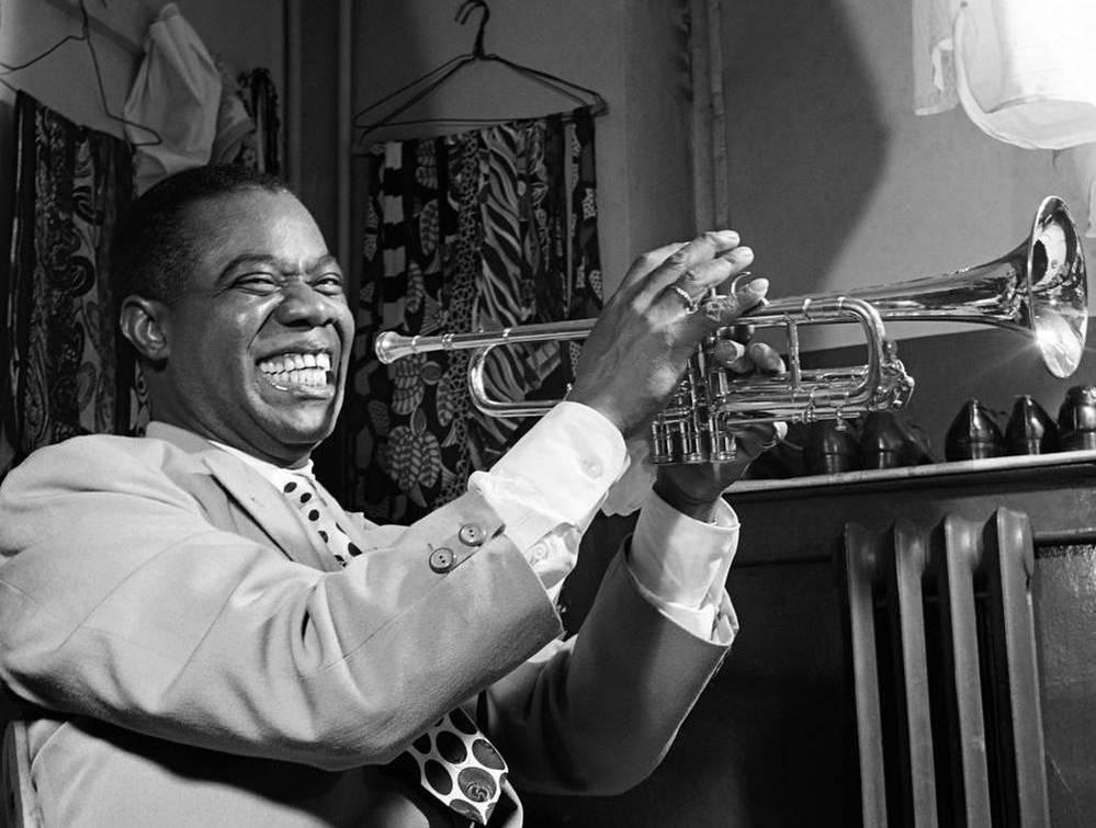ジャズを聴かない人でも、 一般社会常識として、知っておかなくてはならないプレーヤーを教えてください。