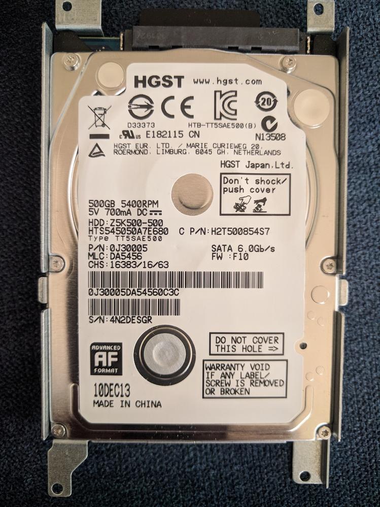 あまりにも遅すぎてもう使ってない、ASUSのX550Lがあるんですが、このHDDをSSDに換装すれば劇的に早くなるんでしょうか? 立ち上げに5分以上かかりますし、ネット見るにもオフィスするにも動作が遅くて話しになりません。快適になるようなら換装して子供にあげようと思ってます。 CPU:intel core i5-4200U 1.6GHz Memory:4GB HDDは画像です。 よろしくお願い致します