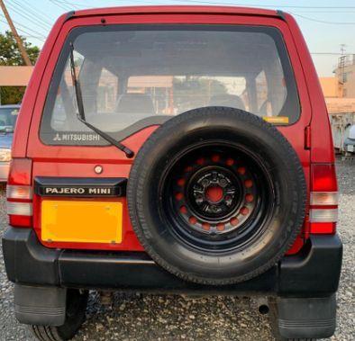 パジェロミニの後ろのスペヤタイヤを付けていないと、整備不良で警察に捕まるのでしょうか? ご存知の方教えてください