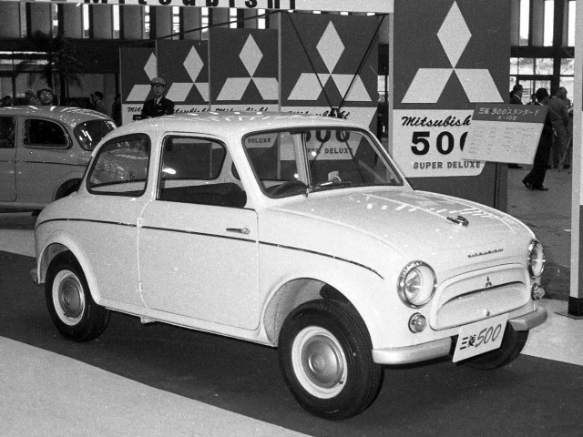 今日本で一番売れてる車って何?
