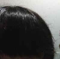 洗い流すトリートメントと、洗い流さないトリートメントって何が違うんですか? どっちがいいんですか?   ちなみに、これが私の髪の毛です。 天パ(癖っ毛)で、下の方は縮毛かけてるので、ピンってなってるけど、かかってないところの髪の毛は切れちゃったりしてます。