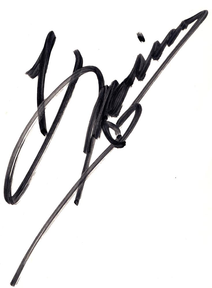 「ガラスの仮面」と書かれたサイン色紙に、 声優の勝生真沙子 (かつきまさこ) さんの直筆サイン (勝生真沙子さんのサインの横には北島マヤと書かれていました。) と、もう一人誰かわからないサインが書かれていました。 画像を載せていますので、わかる方教えていただけたらありがたいです。