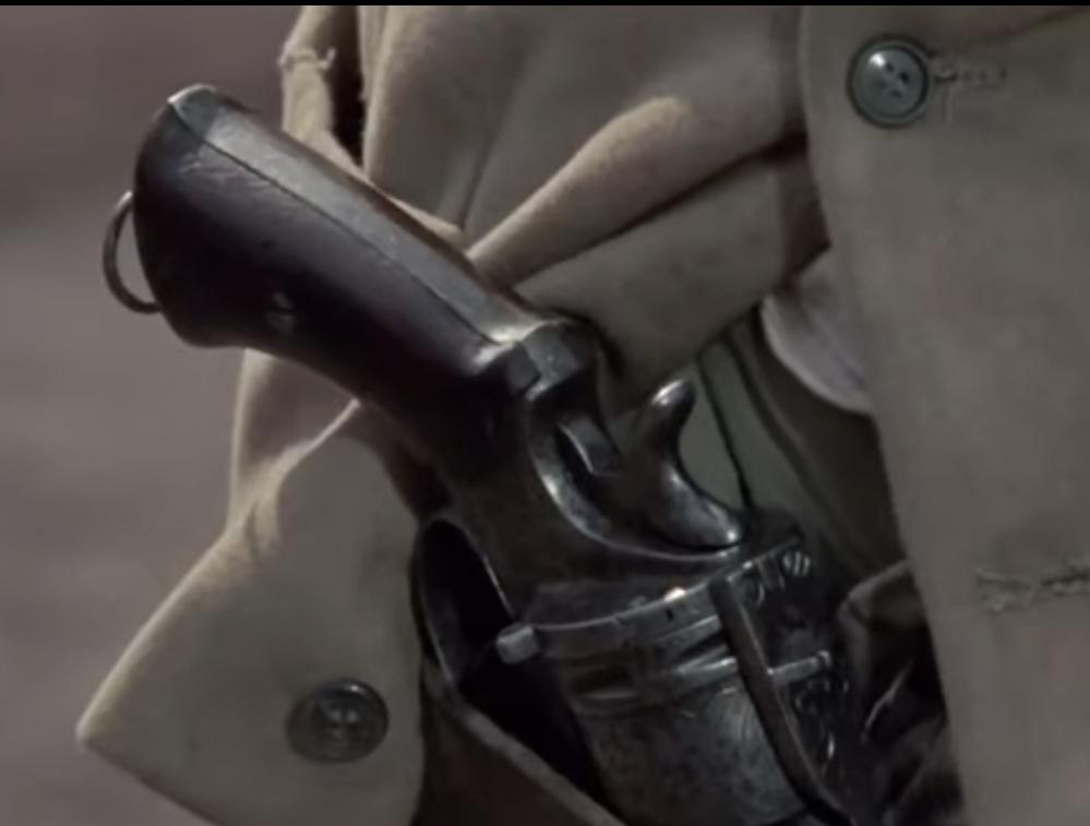 この銃の名称を教えてください。 1972年公開のマカロニウエスタン、怒りのガンマンという映画に出てきた銃です。