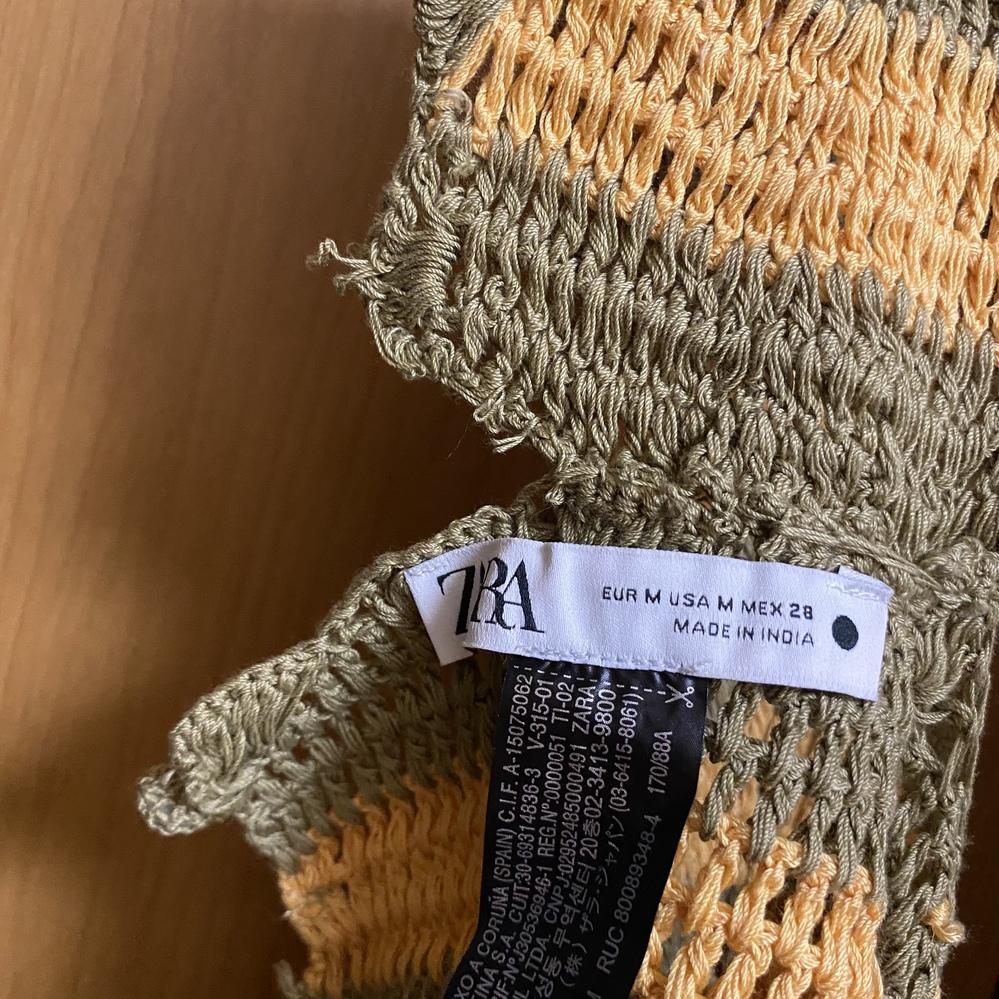 ZARAで先週服を購入したのですが、簡単に破けてしまいました。 このような場合、何縫いをしたらいいのでしょうか。 裁縫が本当に苦手で全くわかりません。 どなたか教えてください。