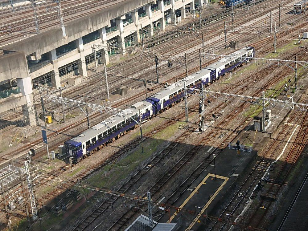高崎駅付近で 見慣れない列車を見ました。 これは何ですか?