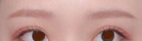 眉毛の事についてです。 薄い眉毛が好きで脱色したり、セルフで整えているのですが太さや形等おかしいでしょうか..? 自分ではよく分からないのでご意見聞かせてくださると幸いです。よろしくお願いします。 ※暴言等は御控ください。