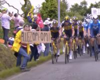 ツール・ド・フランスで観客にぶつかって事故が起きました。 選手ももっと速くに気付いて対応していれば、ここまで酷い事故にならなかったのではないでしょうか? それは酷ですか?