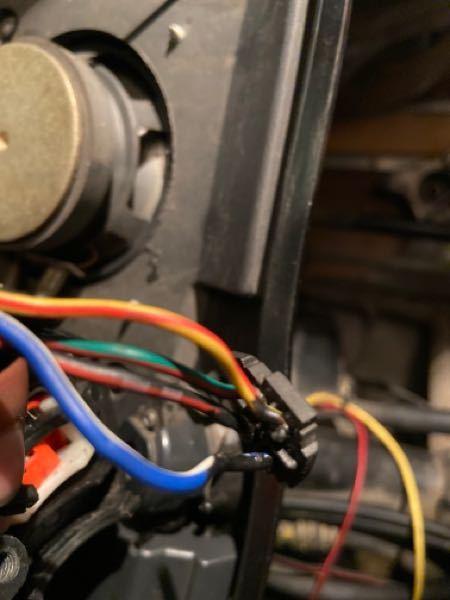 ホンダ フォルツァ mf06 セルスイッチの配線、仕組みが分かりません。(白青、黄赤)白青には電気は来ていません。 また、何故かセルスターターリレーには4本とも+の電気が来ていますが、セルモーターには+の電気が来ません。 セルリレーの故障なんでしょうか。 教えてください。お願いします。