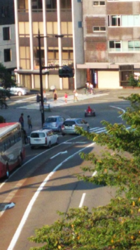 金沢の市街地にマリオカートしてる人いましたwwコレいいんですか?