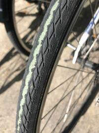 クロスバイクの自転車のリアタイヤなんですけどこれやばいですか?