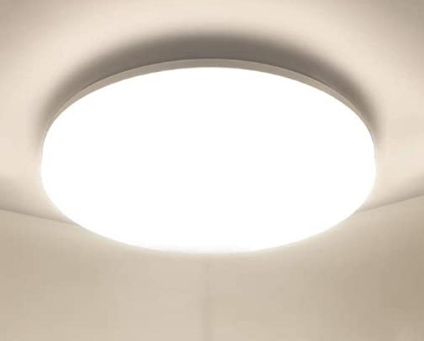 LEDシーリングライトにビニール袋をかぶせて使うと発熱であぶないでしょうか? よくある種類のグローブがかぶせてあるLEDシーリングライト 天井の電線が伸びてた穴から臭気があるのでLEDシーリング...