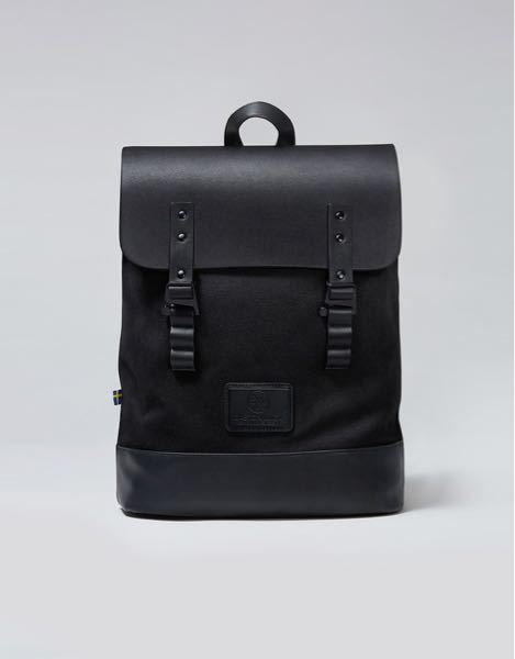 ガストンルーガの下の形のバッグって、高校3年間通学(車・電車・徒歩又は自転車)しても持ちますか? 荷物が多くなる時はトートバッグなどで対応しようと思っていますが、教科書・ノート5冊とA4ファイル...