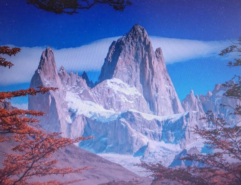 この山の名前は何ですか? Bing からの画像です。