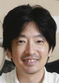 過去にホロコーストをコントの題材にしたとして開会式演出担当の小林賢太郎氏が解任されました。 はっきり言って差別は良くないですが、今更『お前、23年前●●したな!!』って言われてどうしろって言うんですか?  どう思いますか?