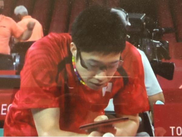 オリンピック卓球の水谷隼選手は、レーシック被害で、サングラスをして試合していました。手術して大失敗だった様です。 眩しくて、ピンポン球が消えるそうです。こういう人は多いのですか?