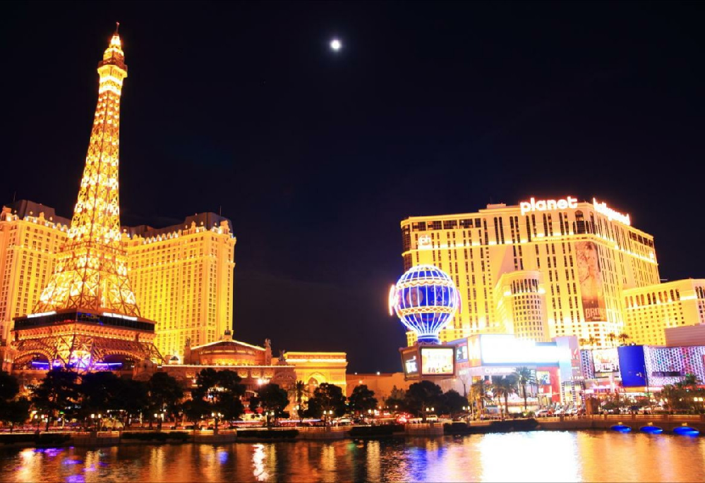 ラスベガスのカジノについて。 ギャンブルに全く興味がないものでもラスベガスを楽しめると思いますか?? 私は生まれて一度も、競馬やパチンコ、宝くじなどのギャンブルをしたことがありませんし、したくも...