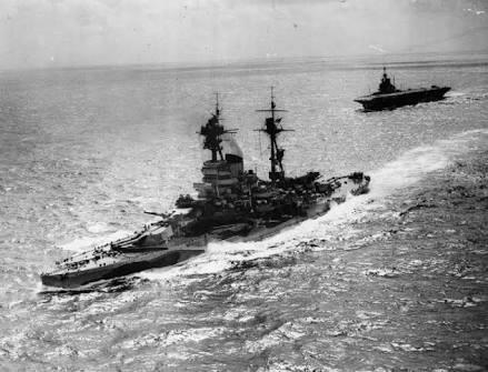 第二大戦中の空母は速力35ノット位の空母もいますが、戦艦は速くても30ノットですよね? 艦隊運動するなら空母も戦艦も速力合わせたほうが良くないですか?