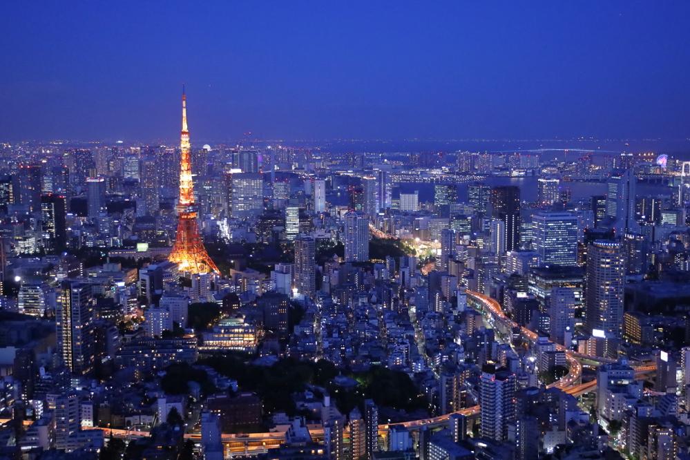 皆さんがグッときた、歌詞の1節を教えて下さい。 日本の曲なら、アルバムの曲など何でもOKです。 私は池田聡さんの「倉庫(ロフト)BARにて」の ♪愛することで愛されるなら、どんな小説も書けやしない、です。 https://www.youtube.com/watch?v=bhqRE0YB4JQ