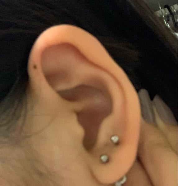 この耳の巻きではインダストリアルピアスを開けることは可能でしょうか?