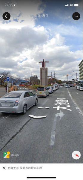 こういった感じの、左折専用道路がある場合、前方が赤信号でも左折していいのですか?