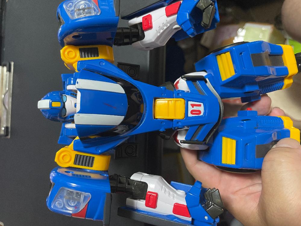 このロボットのことわかる方いますか? リサイクルショップで550円で購入したものです。