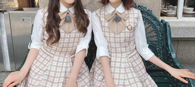 坂道制服クイズPart224 画像の制服を着てる 現役坂道メンバーは 左右それぞれ誰と誰でしょう?