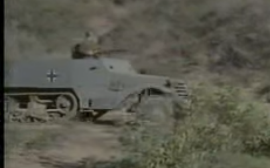 1960年代アメリカ制作の戦争ドラマの「コンバット」で見るこのドイツ軍装甲車の名を教えて下さい。