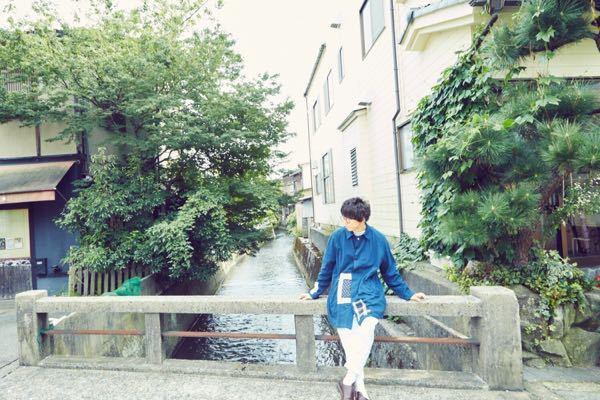 金沢の地理に詳しい方へ質問です。 sumikaの片岡健太さんが写っているこの場所はどこでしょうか? 同じ場所へ行ってみたいのですがなかなか特定出来ず困っています。 わかる方いらっしゃいましたら教えていただきたいです。 よろしくお願いしますm(_ _)m