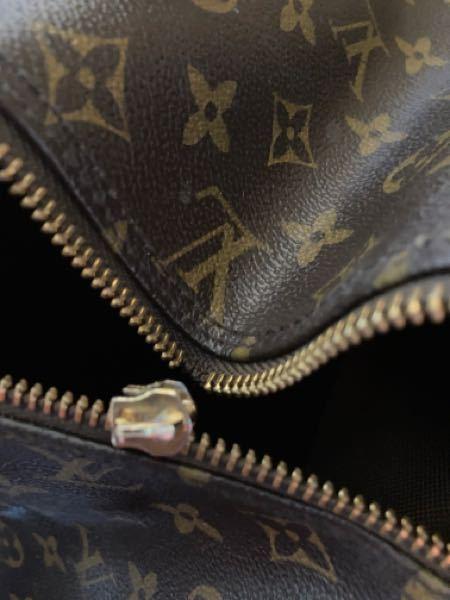 ルイビトンのバッグでジッパーが壊れているものや少し汚れているのは売れるのでしょうか?写真を見てくれると幸いです。
