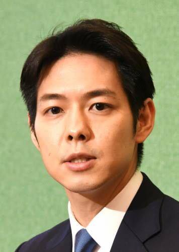 女性に質問。 鈴木直道・北海道知事はイケメンだと思いますか?