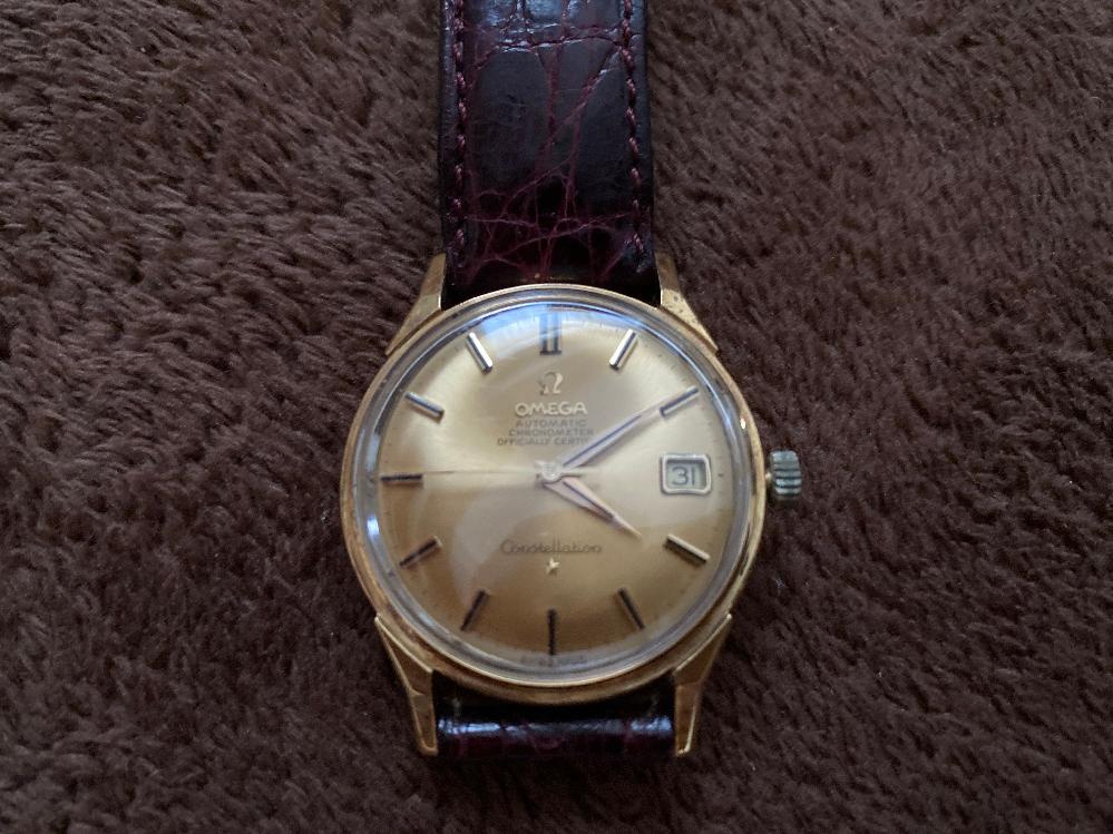 この画像のオメガの腕時計は、大体何年のモデルで当時いくらだったかご存知の方いますか??