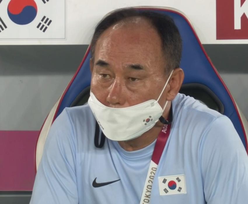 韓国代表の監督さんは何を考えてますかね?
