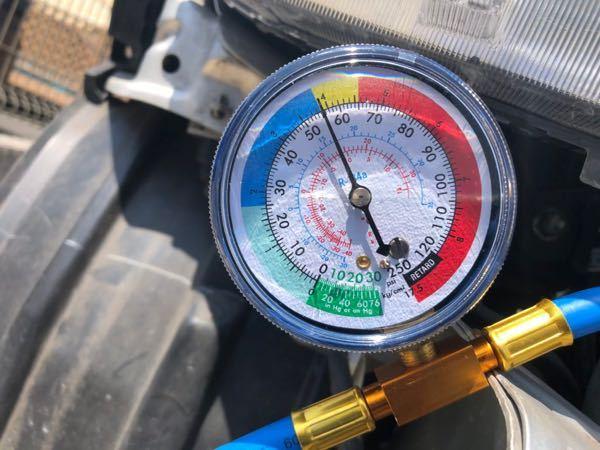スズキパレットSWのガス補充に付いて教えていただきたいです。 ガスのゲージは写真の所まで入れれば大丈夫なんでしょうか?