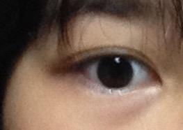 加工、メイクはしていません。 この目は末広二重ですか? 大きいと思いますか? 顔は小さいとよく言われます。
