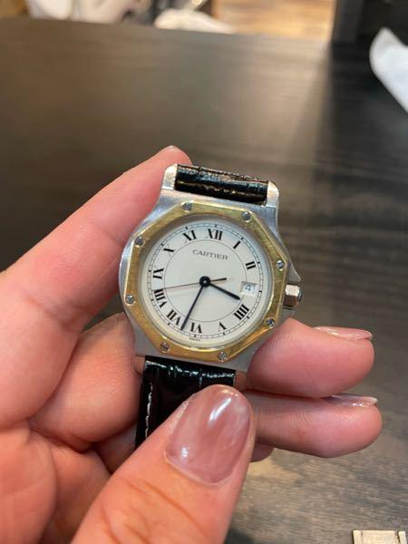 カルティエ サントス オクタゴンの腕時計があるのですが、 調べていると自動巻きやクォーツというのがわかったのですが、自動巻きのクォーツの腕時計というのはあるのでしょうか? それとも サントス オクタゴンの腕時計で自動巻きのものと、クオーツのもの2種類あるということでしょうか? わかる方教えてください