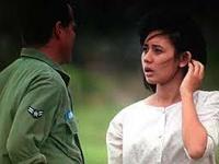 てんぷら☆映画復活祭】 Scene#393   皆さん、映画はお好きですか?  ではこのワンシーンで ひとつ  素敵なボケをいただけますか? (・▽・) ――――――――――――――――――――   『グッドモーニング, ベトナム』より