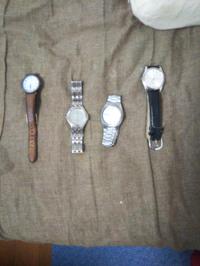 腕時計をオフハウスで売る場合、相場はいくら? 針は動かない条件で
