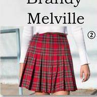 至急です ドンペンTシャツ(黒)にこちらのスカートって合いますか?  地雷